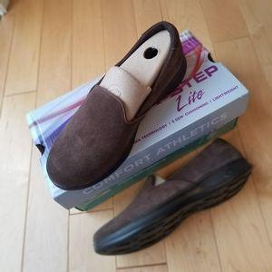 Skechers New in Box Go Step Lite brown 7.5